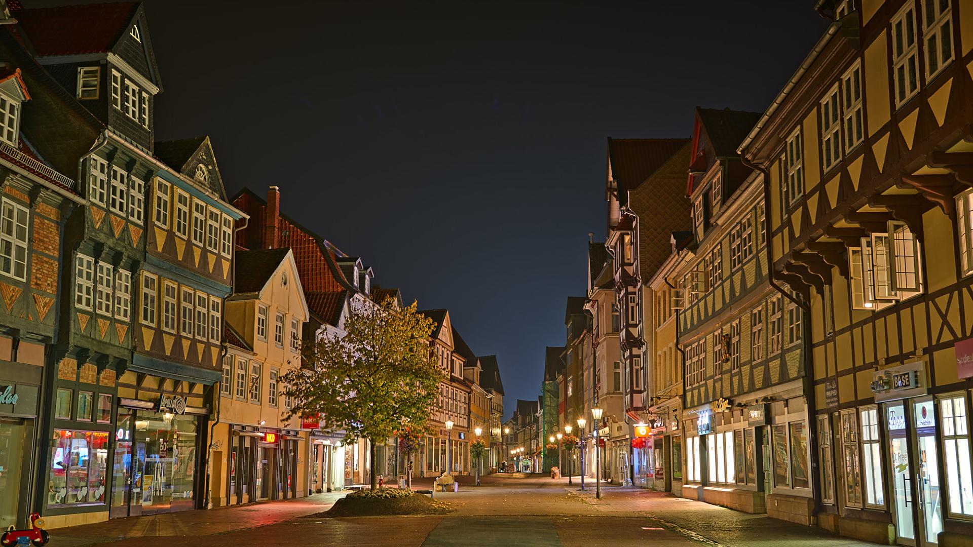 Fachwerkgassen in der blauen Stunde / Stadt Wolfenbüttel