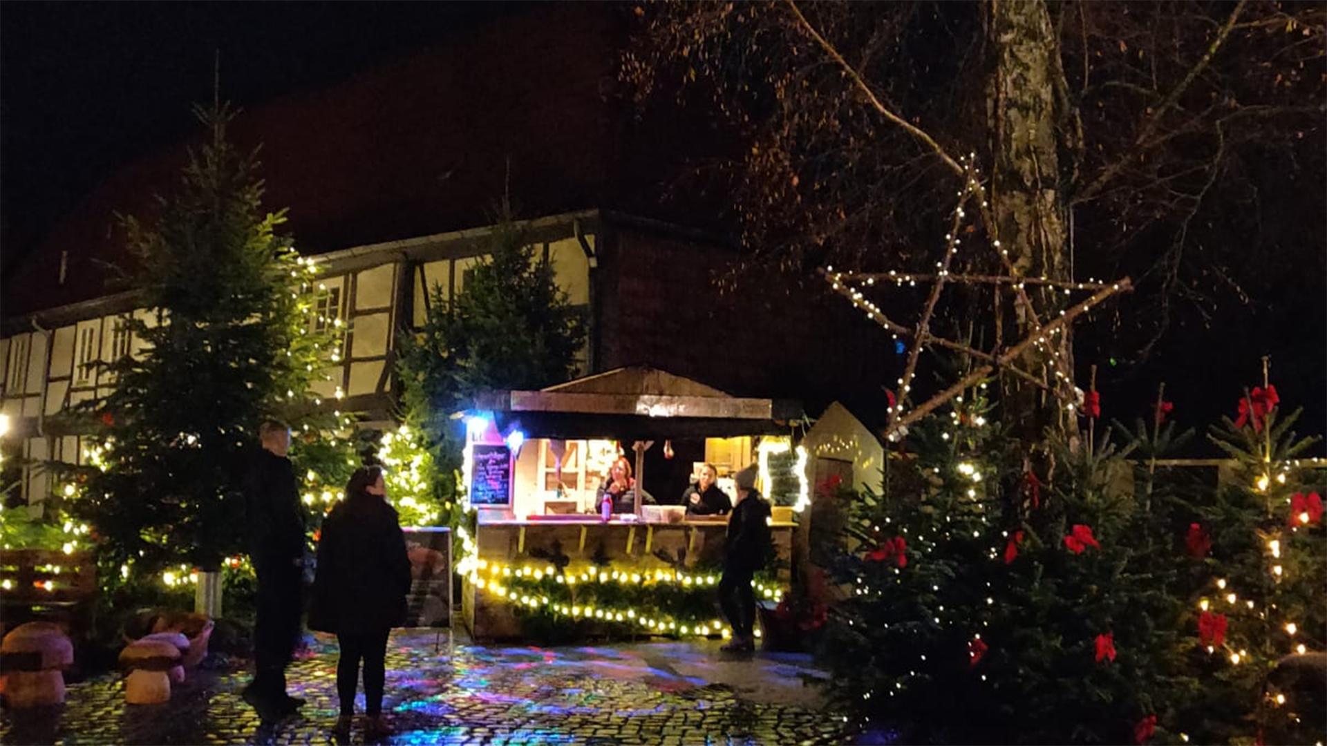 Weihnachtsmarkt I.Das Tüpfelchen Auf Dem Weihnachtsmarkt I Adventshöfe Und